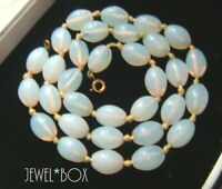 VINTAGE ART DECO Beautiful OPALESCENT CRYSTAL GLASS Beads HAND KNOTTED NECKLACE