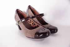 Women CLARKS Bendables Sapphire Patent Fabric Mary Jane Pump Sz 8.5 Leopard