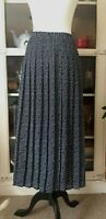 Women's Cotswold Collections Polka Dot Pleated Midi  Elastic waist Skirt Size:20
