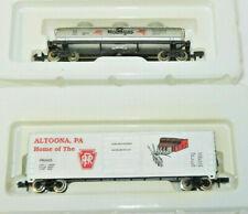 2 x Industrial Rail N Scale Pennsylvania/Socony Mobil Freight Cars