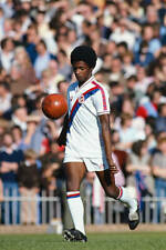OLD SPORTS PHOTO Football Crystal Palace Player Vince Hilaire In Action