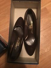 Red Cross Women's Heels/Pumps/Shoes Size 6.5 Brown Heels Vintage 1950's Box