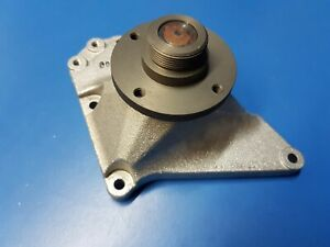 Mercedes OM642 Bearing housing Cooling Fan Pt No: - 642 200 04 20, 6422000420