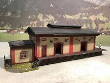 Diorama Lagerhalle Güterbahnhof patiniert gealtert H0 TOP Model
