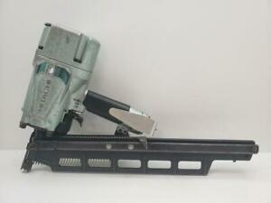 """Hitachi NR83A5 3-1/4"""" 21° Plastic Collated Air Framing Nailer w/ Rafter Hook"""