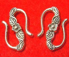 """50Pcs. WHOLESALE Tibetan Silver Flower """"S"""" Clasps Hooks Connectors Finding Q0362"""