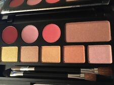 PALETTE SPRING IT ON 5 EYE SHADOW/1 BLUSH/ 3 LIPSTICKS  2 DUO BRUSHES