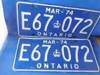ONTARIO LICENSE PLATE 1974 MARCH LOT E67 072 SET CANADA VINTAGE  CAR SHOP SIGN
