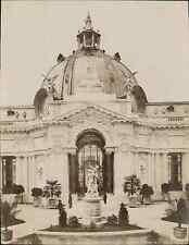 L.L., Paris, Exposition Universelle de 1900. Le Petit Palais. Façade sur la Cour