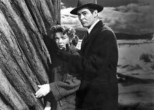 Ida Lupino and Robert Ryan UNSIGNED photo - H6732 - On Dangerous Ground