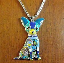 collier argenté 52cm(+ 6cm chaînette d'extension) avec pendentif chien chihuahua