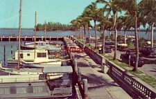 BEAUTIFUL YACHT HARBOR AND TROPICAL ISLAND IN CALOOSAHATCHEE RIVER, FT. MYERS FL