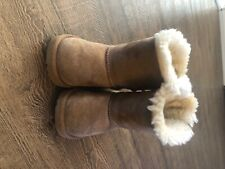toddler uggs T Bailey Bow II Size 9