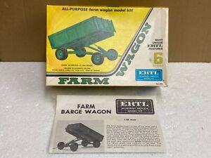 1/25 scale ERTL 8006 Farm Barge wagon trailer plastic kit tractor tracteur