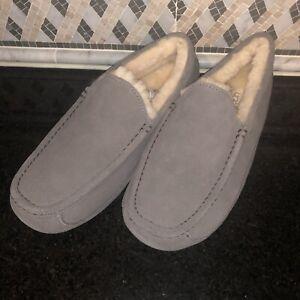 Men's UGG Grey Gray Ascot Slippers- Size 10- #1101110