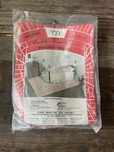 """VTG.Dollhouse Miniature """"Create Your Own""""  Needlepoint kit-Pink Garland Rug NEW"""