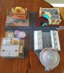 Disney Pixar Cars Radiator Springs Curio, Luigi's, Ramone's & Flo's  Playsets