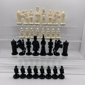 Vintage Schach Chess Set The Royal Game Plastic Pieces Only No Board Pre-1970