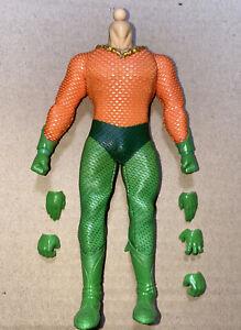Mezco One:12 Aquaman - Body Buck, Costume & Boots & Hands Comics 1:12 Scale