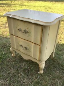 Vtg FURNITURE Wood wooden French Provincial Nightstand end table