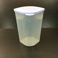 Tupperware 5058 Clear 1.5 L 6 1/4 C Fresh n' Cool Container 5059 Blueberry Seal