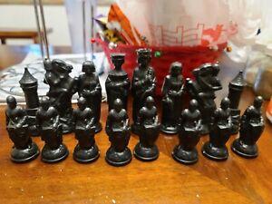 Vintage 1950'  E.S Lowe Chess Pieces Set 32-King Arthur Renaissance Medieval