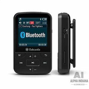 MP100 Lecteur MP3 avec Fente Micro SD Bluetooth Batterie Longue Durée Ecouteurs