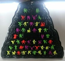 MONSTER IN MY POCKET MIMP SERIES 1 VOLCANO MOUNTAIN DISPLAY & COMPLETE SET OF 48