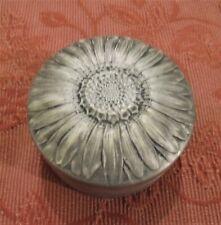 Ancienne boite art nouveau déco  en aluminium décor de fleur marguerite DN2162