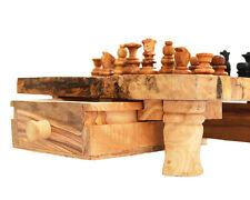 A handcrafted olive wood Chess set,Jeux d'échecs sur pieds en bois d`olivier