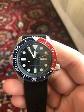 Seiko Automatic Wrist Watch for Men Blue and Red SKX