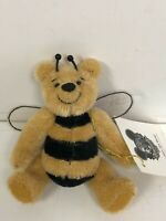 "MINT Happy Tymes Global Design by Bev White 'POOH BEE DREAMIN' S 11cm 4.25"" #156"