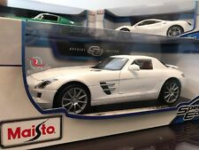 Maisto 1:18 Special Edition Diecast Model Car - Mercedes Benz SLS AMG (White)