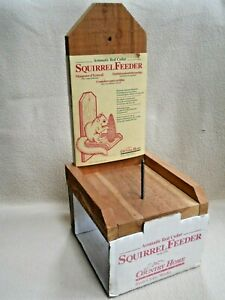 Country Home Red Cedar Squirrel Feeder Model SF6 / NOS