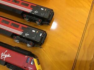 """Vintage Hornby 00 Gauge """"Virgin 43068 red arrows"""" train R2298"""