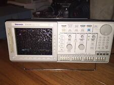 TEKTRONIX TLS216 LOGIC ANALYZER + DIGITAL OSCILLOSCOPE CHECK PICTURES