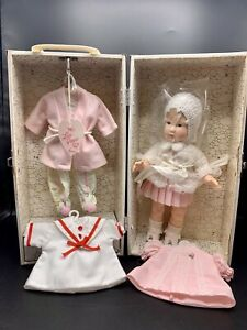 """Vtg Lisa Grows Up by Effanbee Doll 11"""" in Original Trunk 4 Outfits Uncommon"""
