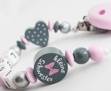 Schnullerkette mit Namen ★ KLEINE SCHWESTER ★ Mädchen Babygeschenk rosa grau