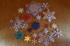50 Natale Fiocco Di Neve Die Cut Out VARI COLORI/MODELLI/TAGLIE Carta & CARD