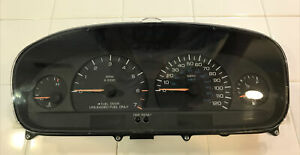 1997-2000 Dodge Caravan Plymouth Voyager Instrument Cluster Tacho P04685620