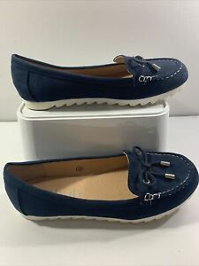 SCHUH NAVY loafers. Super Light. Excellent Condition. Size 5