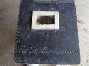 ANTIQUE VINTAGE ODDITY SAFE ANIMAL TRANSPORT ??? WOOD CARRYING BOX CASE DOVETAIL