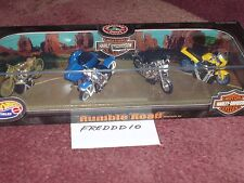 100 % HOTWHEELS RUMBLE ROAD HARLEY DAVIDSON SET OF 4 1/32? w DISPLAY CASE