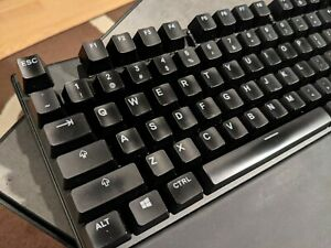 EXCELLENT SteelSeries APEX PRO RGB Mechanical Keyboard + FREE SHIP