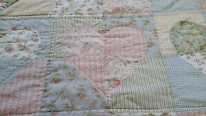 "Whimsical JC Penney Home Collection pastel floral heart queen quilt 83""x80"""