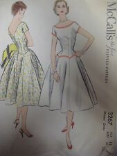 Vtg 50s McCalls 3267 DRESS w/ FITTED BODICE SCALLOPED WAIST Sewing Pattern Women