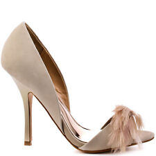 NIB Badgley Mischka Gisella d'orsay open toe feather pump heel shoes Vanilla 5,5
