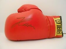 JULIO CESAR CHAVEZ Autographed Everlast Boxing Glove - NEW - FREE SHIPPING!
