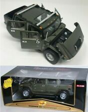 HUMMER H2 SUT CONCEPT GREEN MAISTO 1:18 PREMIERE EDITION WITH SHOWROOM DISPLAY
