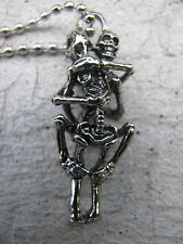 Anhänger ewige Liebe poppende Skelette mit Kugelkette